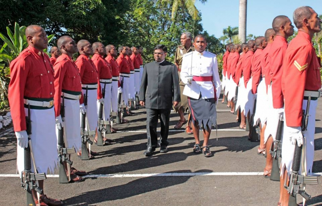 High Commissioner Inspecting Guard of Honour during Presentation of Credentials 25.05.2016